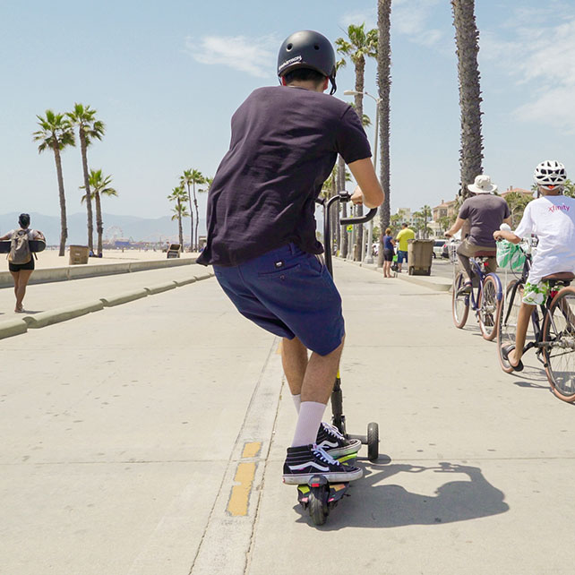 Cali Drift Three Wheel Scooter SWAGTRON