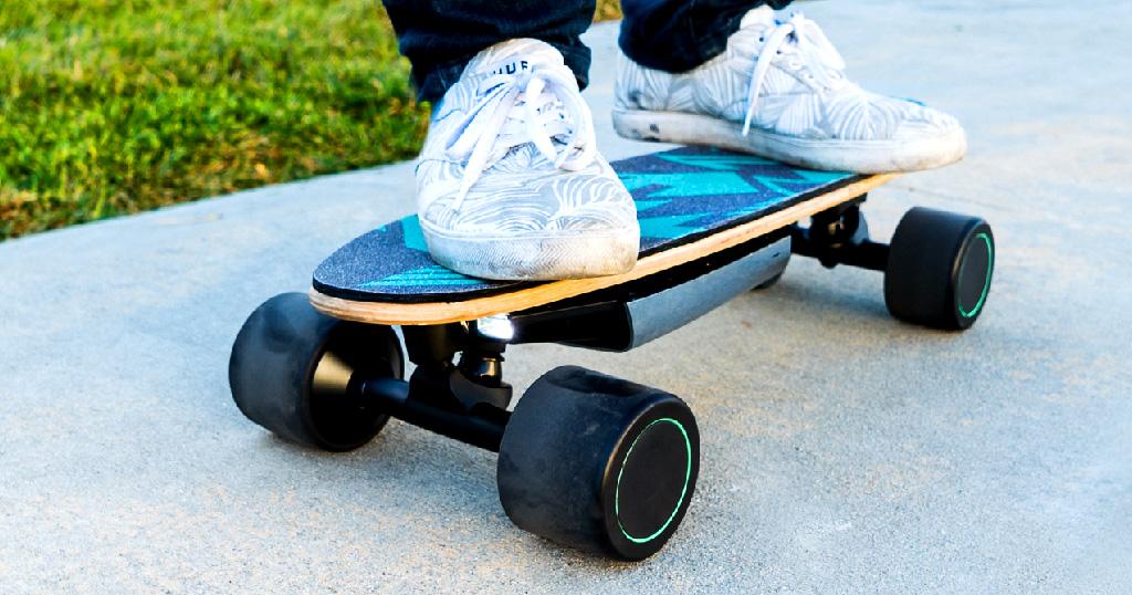 Close-Up of the A.I.-powered Swagskate Spectra Penny eSkateboard