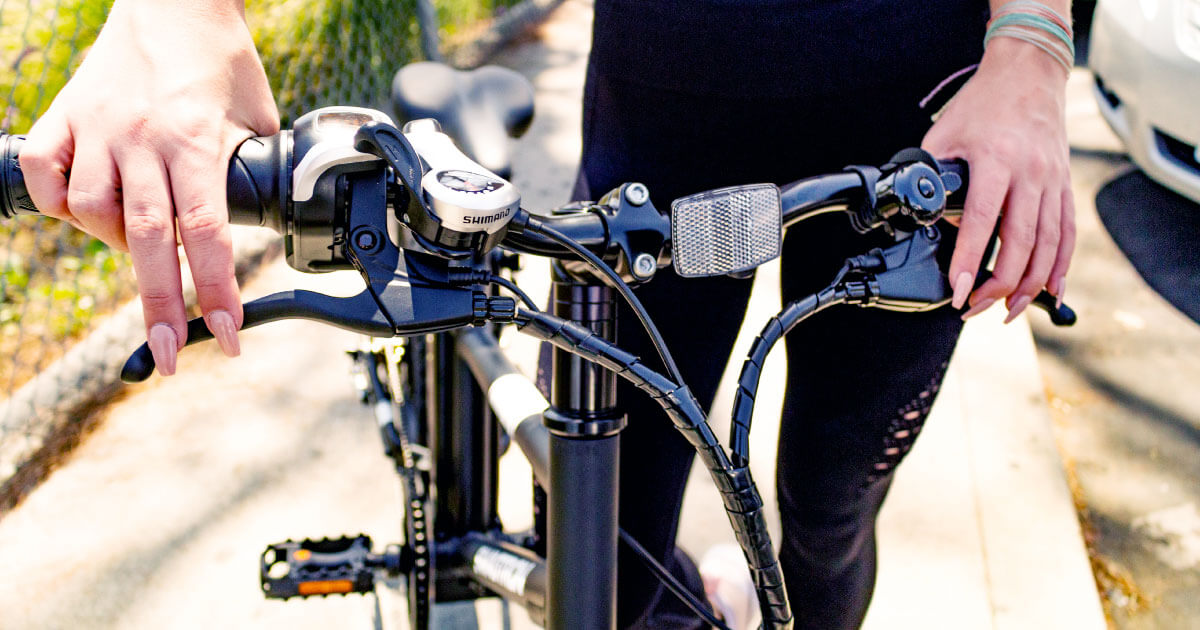 Close up to the EB-1's easy to use Shimano gears
