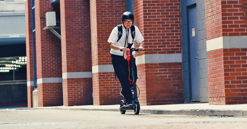 Swagger 5 Electric Scooter | SWAGTRON