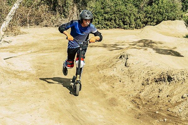 KR1 All-Terrain Dirt Kick Scooter